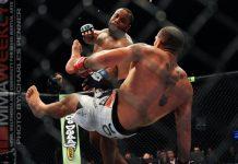 Cele mai spectaculoase lovituri de KO si submisii reusite de campionul UFC Daniel Cormier (VIDEO)